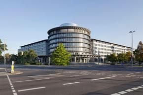 Die Offentliche Versicherung Braunschweig Sichert Vertrage Mit
